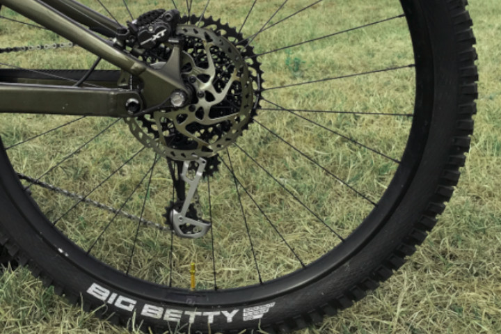 Test du nouveau pneu MTB Big Betty de Schwalbe